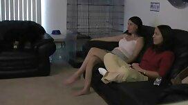 Auf einem Stuhl alte frauen sex video mit einem Mädchen.