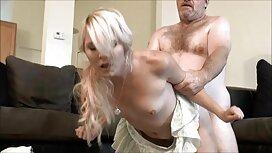 Mann bläst kurz alt und jung sex videos auf einer lila couch