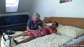 Ein schwarzer Mann mit reife frauen nackt videos dreadlocks, Mädchen, Haare Braun.