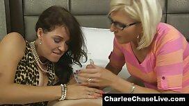Kleines Mädchen und elastisches reife frauen porno video Gesäß.