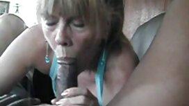 Lesben umarmen ältere frauen sex videos in der Natur.