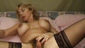 Die Frau verdrehte ihren alt und jung sex videos Arsch vor der Kamera im Garten