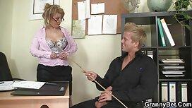 Blonde masturbieren auf alt jung sex tube dem Balkon