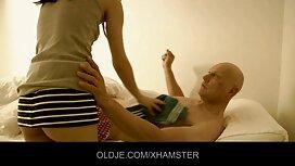 Die Blondine stimmte zu, Sex mit einem Praktikanten im Büro reife frauen videos zu haben.
