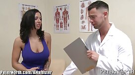 Latina Ella Knox schluckt einen Klienten, um geile alte weiber videos sie nackt zu Pferd zu massieren,