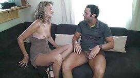 Strümpfe drücken die Eingeweide aus dem reife damen porno Anus.